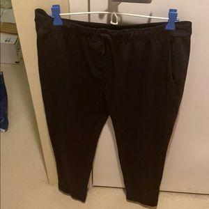 Lululemon Essential Pant